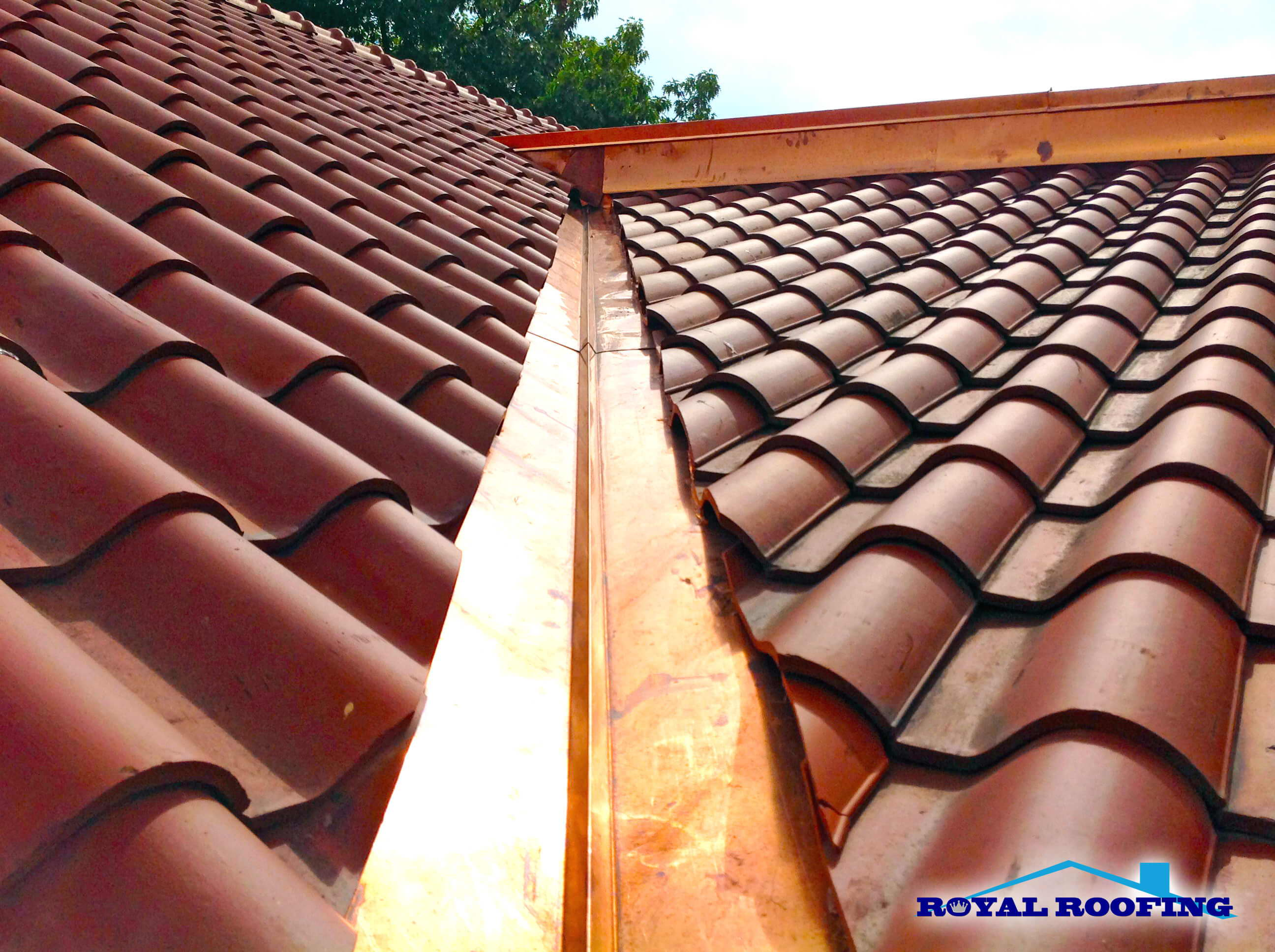 Hire Certified And Experienced Clay Tile Roofing Contractors