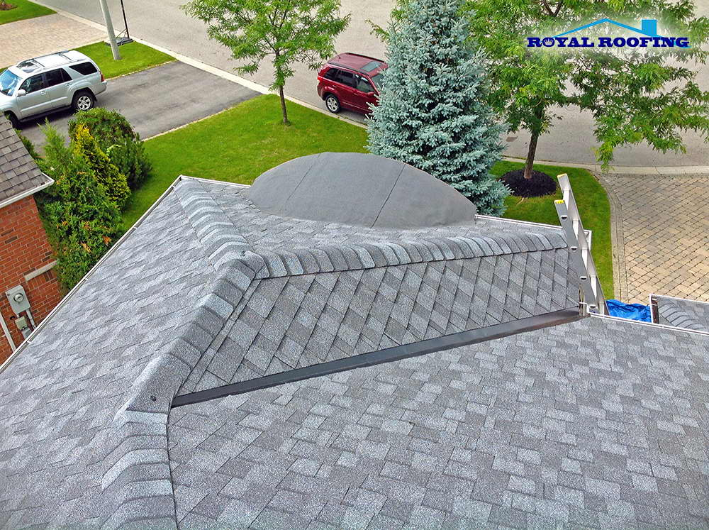 Shingles Roof Replacement in Oakville
